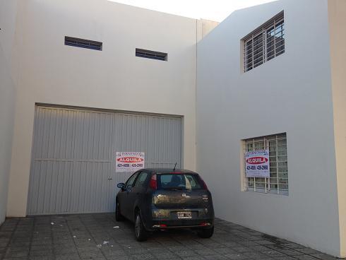 PROVIDENCIA – Galpon de 180mts con 3 privados y 3 baños en Santa Fe 832
